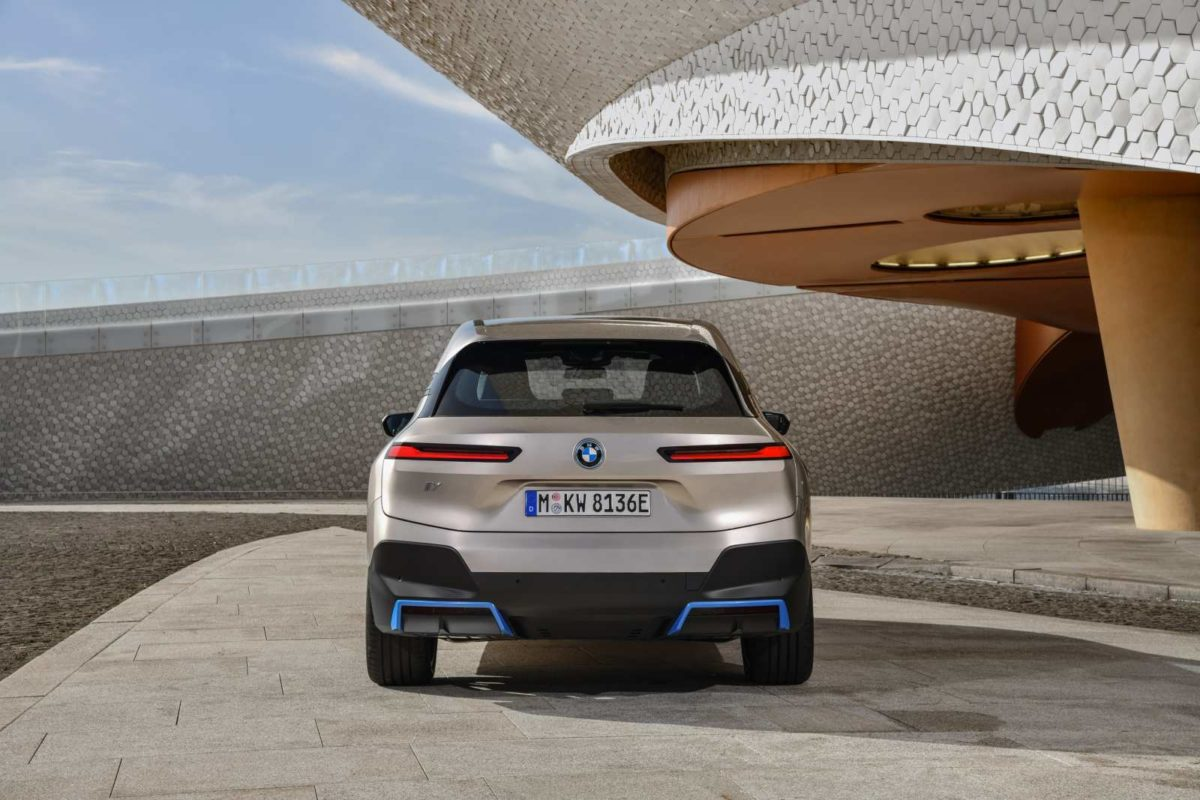 BMW iX Electric SUV (4)