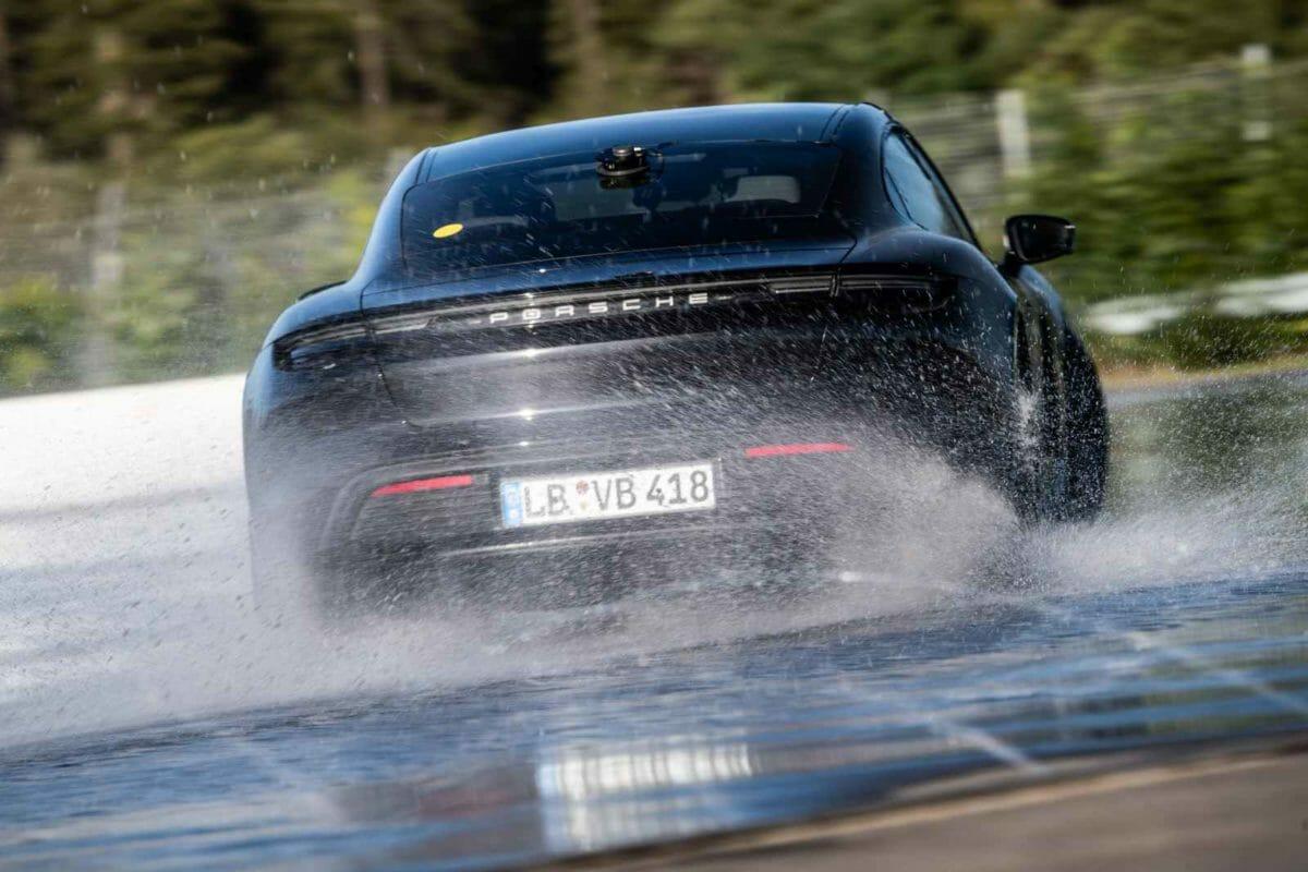 Porsche Taycan World Record Drift (1)