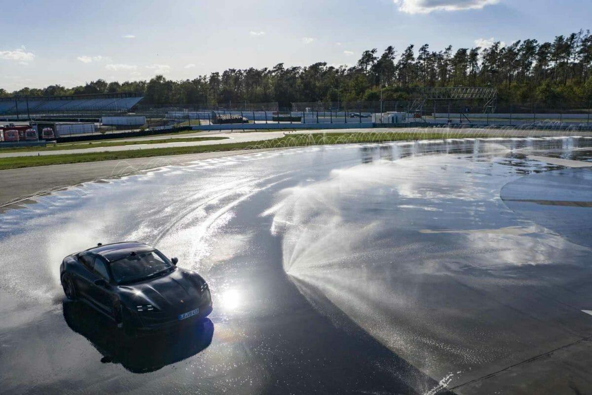 Porsche Taycan World Record Drift (3)