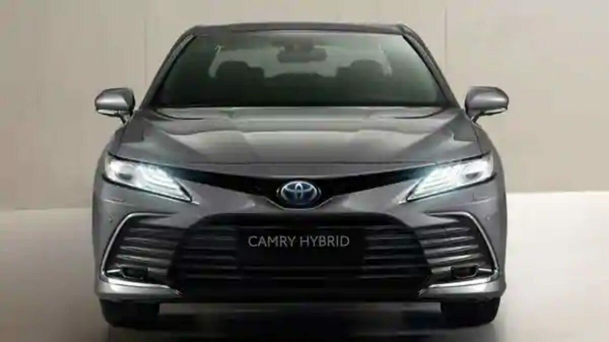Toyota Camry Hybrid 2021 1 (1)