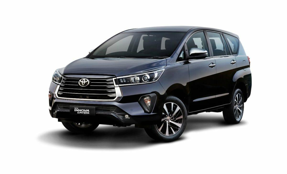 Toyota Innova Crysta 2020 (1)