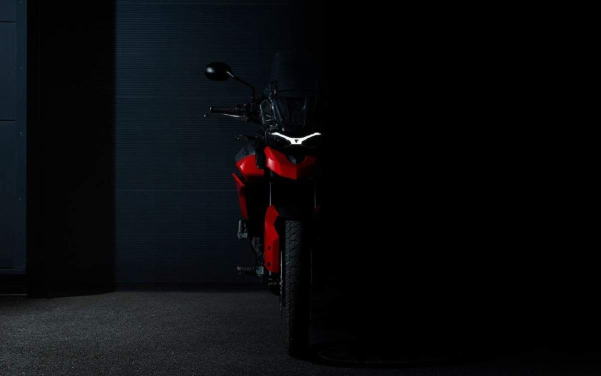 Triumph Tiger 850 Sport teased (1)
