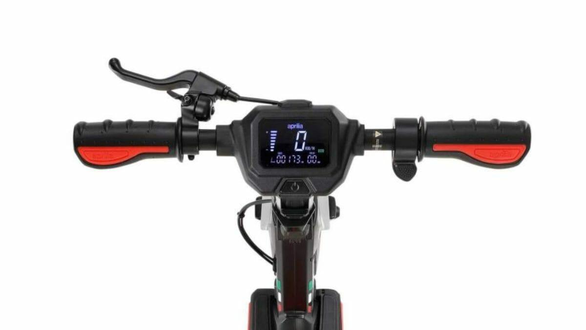 Aprilia eSR1 micro scooter (1)
