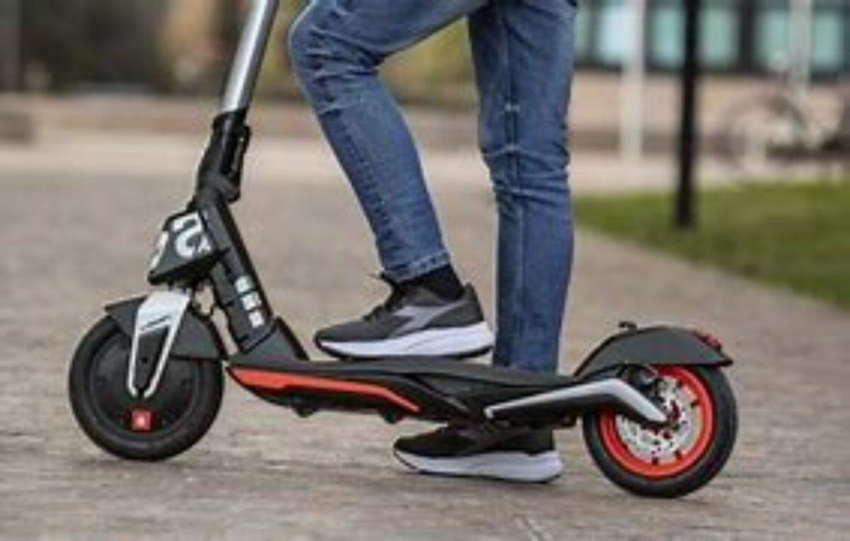 Aprilia eSR1 micro scooter (2)