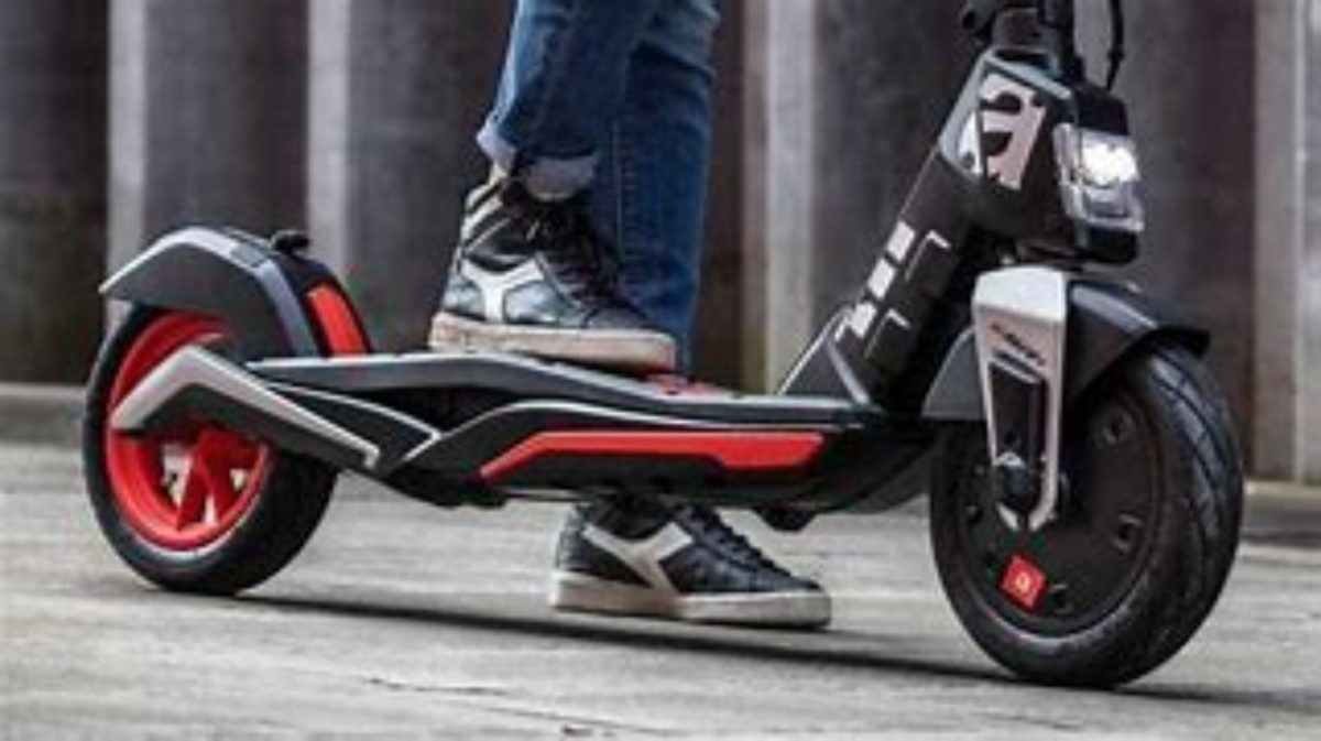 Aprilia esr1 micro scooter