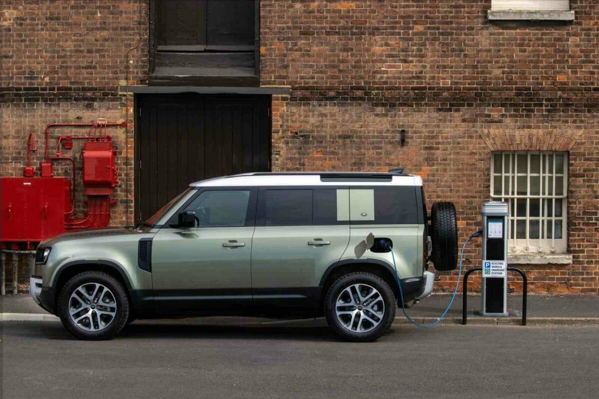 Land Rover Defender Hybrid bookings (1)