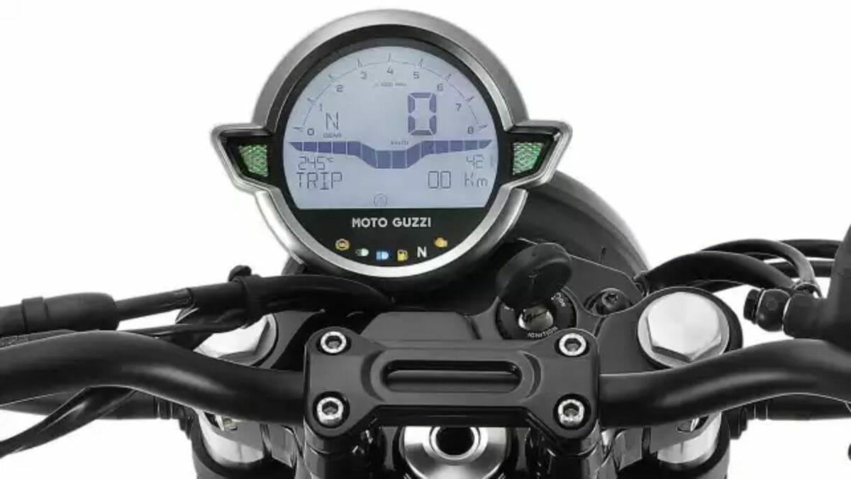 Moto Guzzi V7 2021 (1)