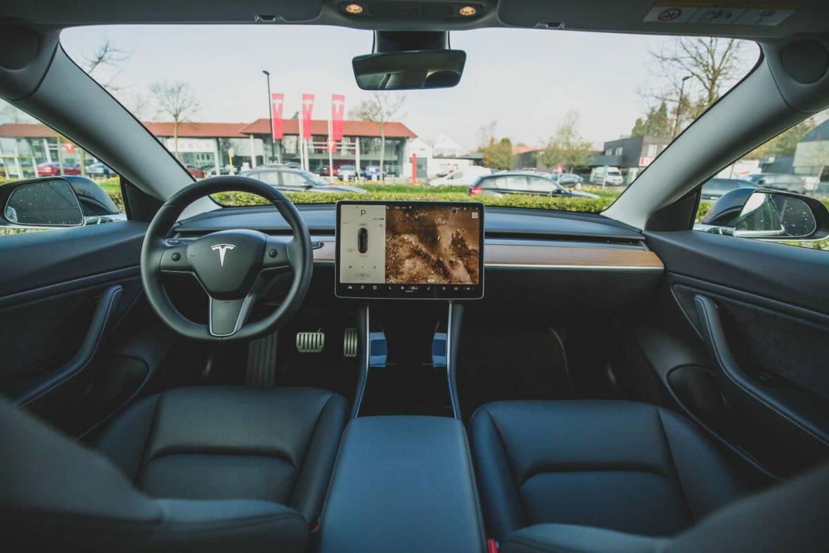 Tesla Model 3 interiors (1)