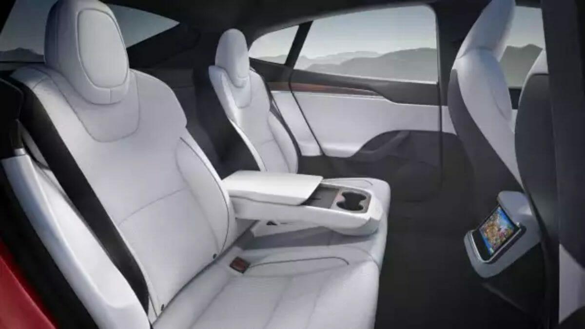 2021 Tesla Model S (1)