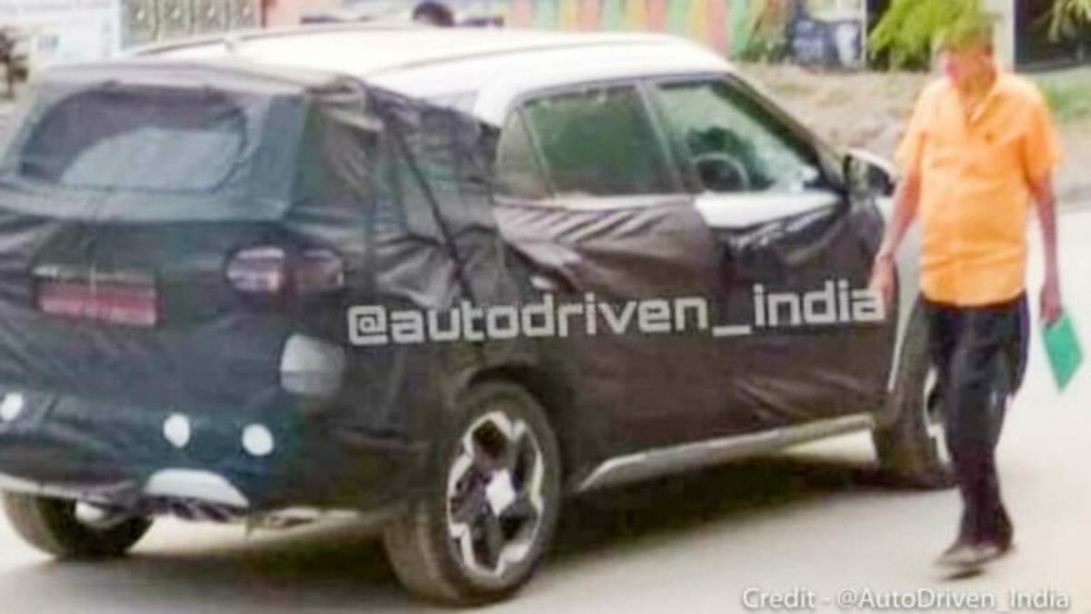 Hyundai Creta 7 seater spied (1)