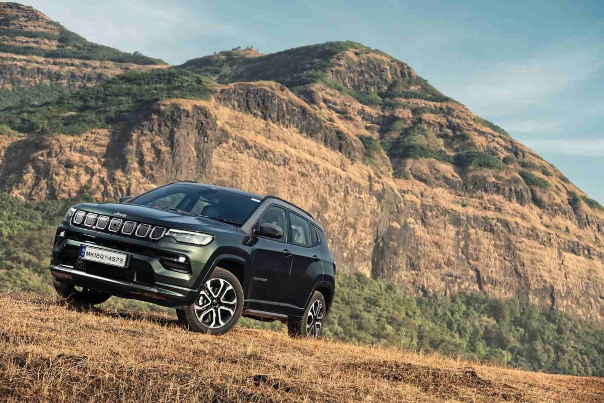 Jeep Compass Facelift unveiled (1)