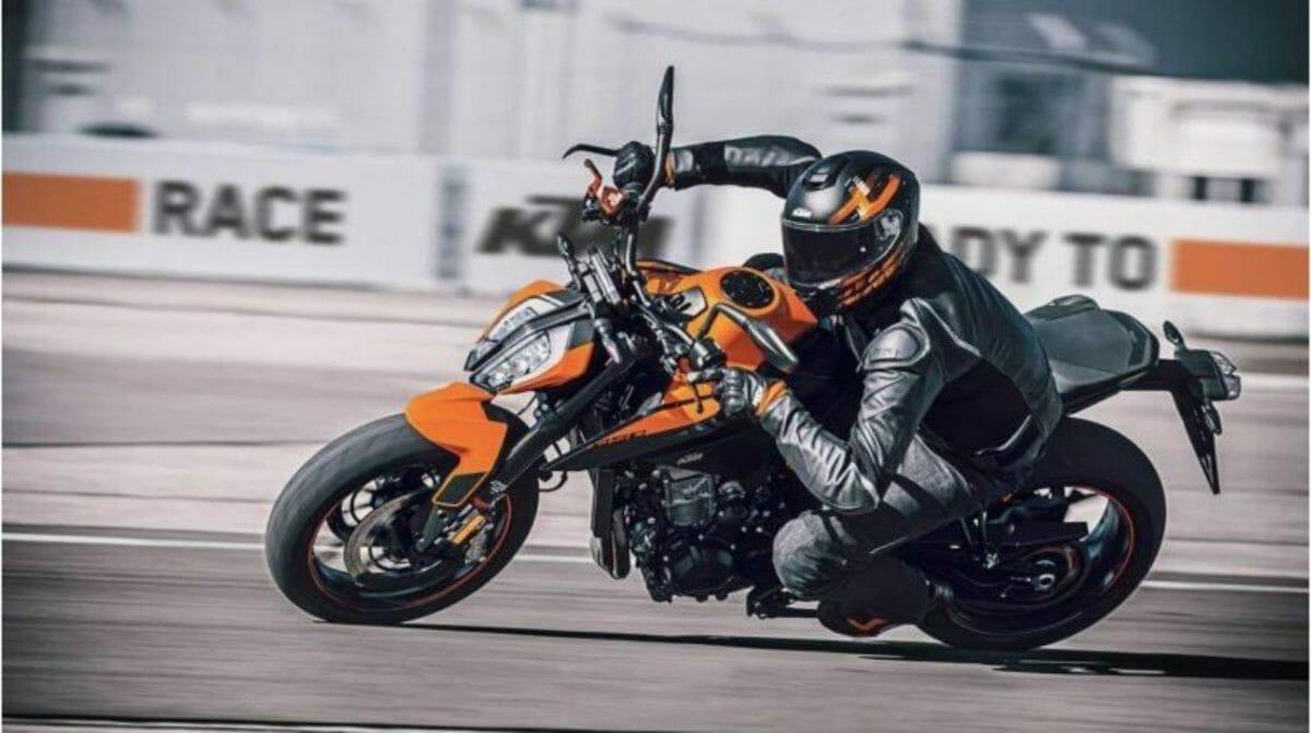 KTM Duke 890