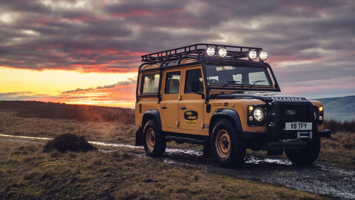 2021 Land Rover Classic_Defender Works V8 Trophy front