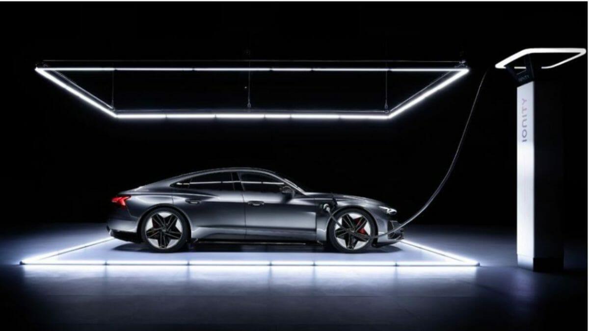 Audi etron GT sides