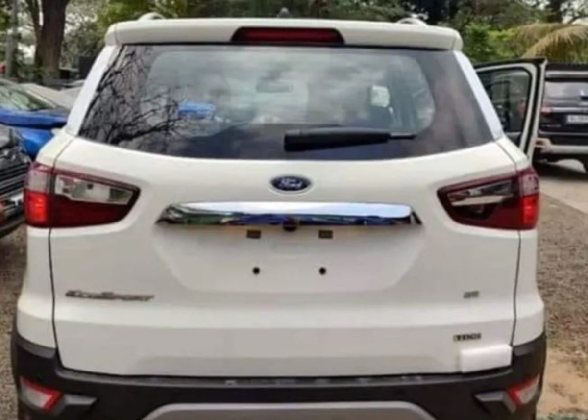 Ford EcoSport SE 02