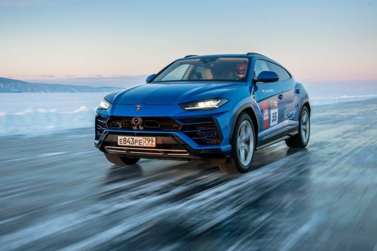 Lamborghini Urus on ice 1