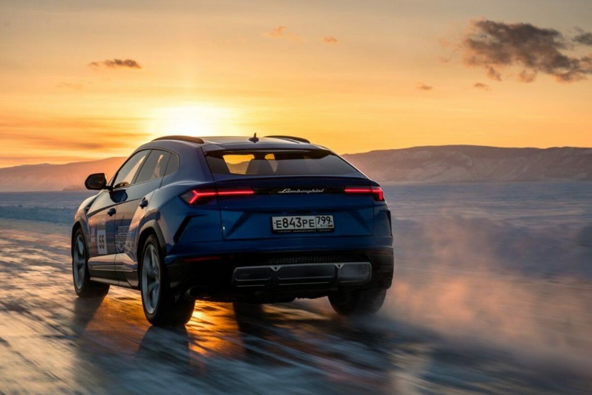 Lamborghini Urus on ice 2