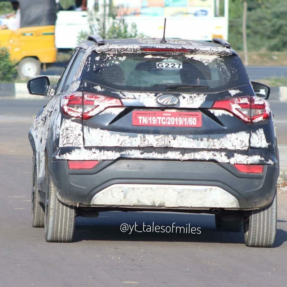 Mahindra XUV300 Sportz test mule spied (1)