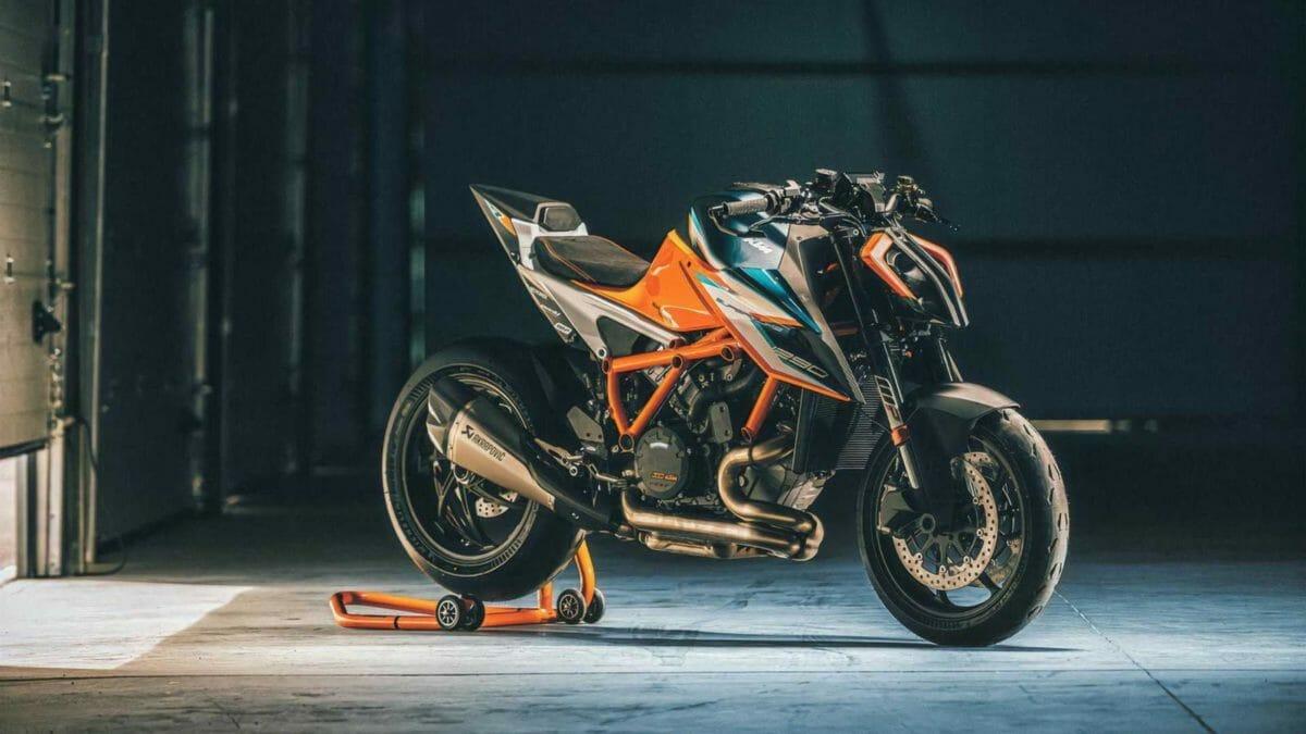 2021 KTM 1290 Superduke RR (2)