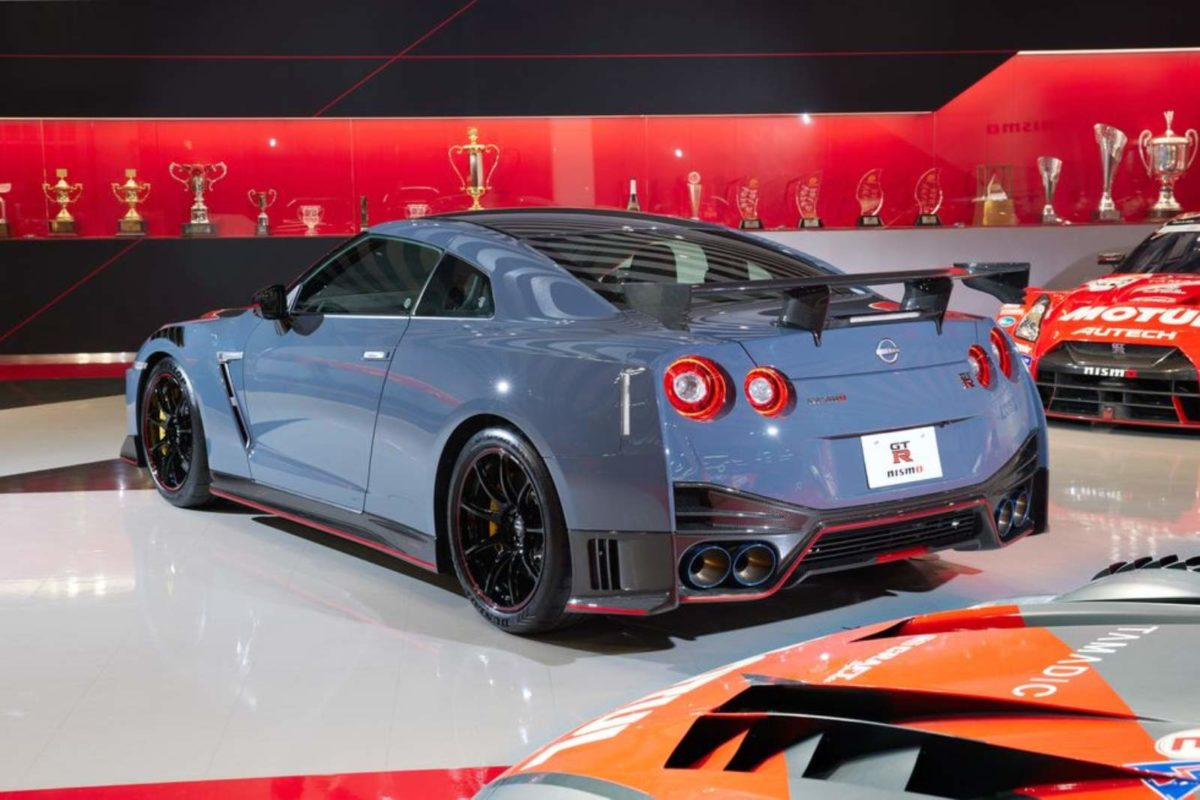 2022 Nissan GT R (2)