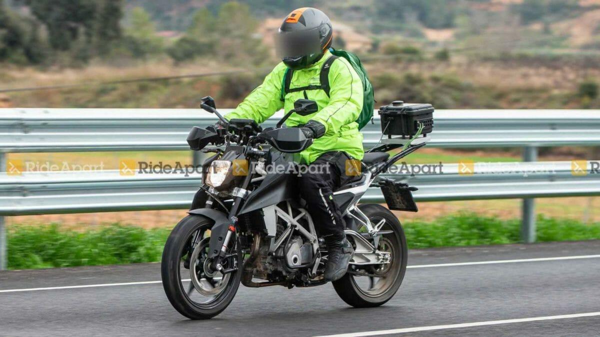 KTM Duke 250 spied (2)