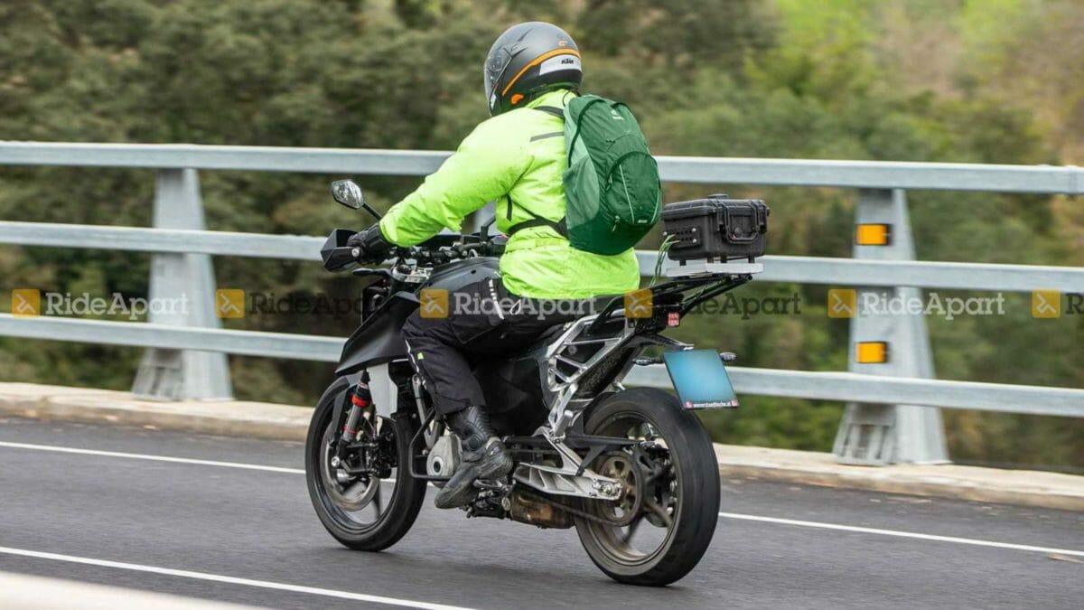KTM Duke 250 spied (3)