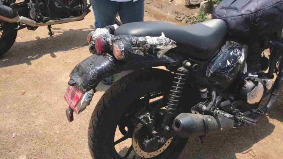 Royal enfield hunter 350 spied (2)