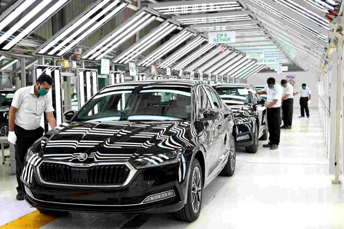 Skoda octavia production (2)