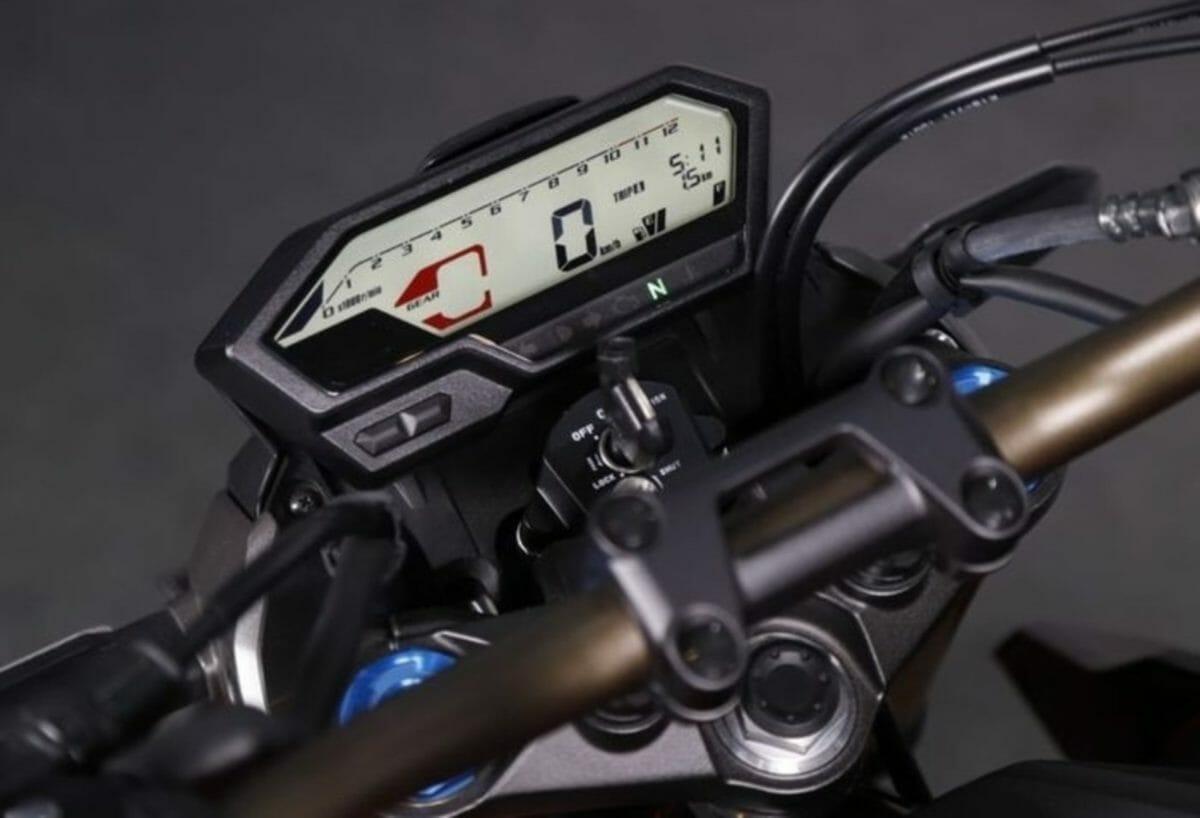 2021 Honda CB150R Streetfire (2)