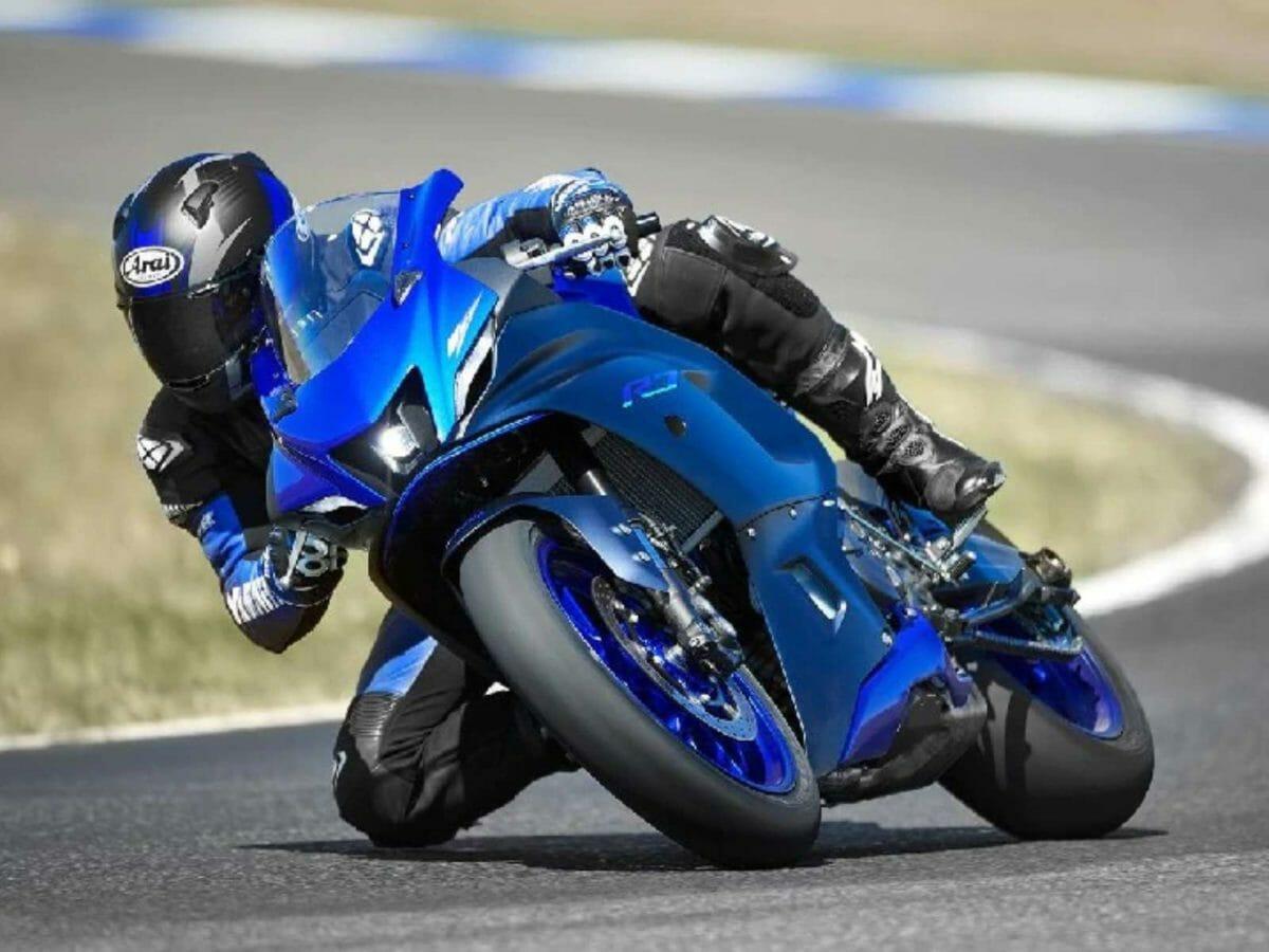 Yamaha R7 (1)