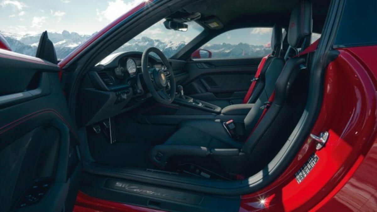 911 GTS interior (1)