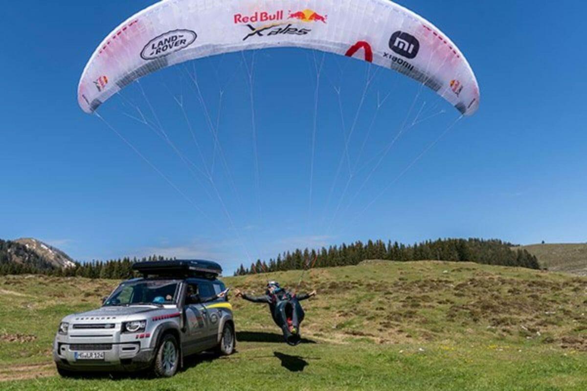 Land Rover defender red bull race (1)