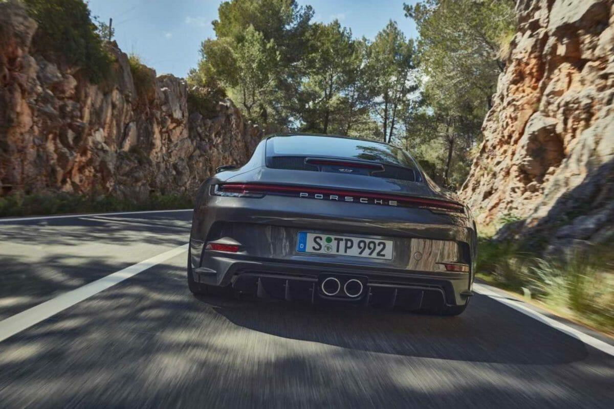 Porsche 911 GT3 Touring (1)