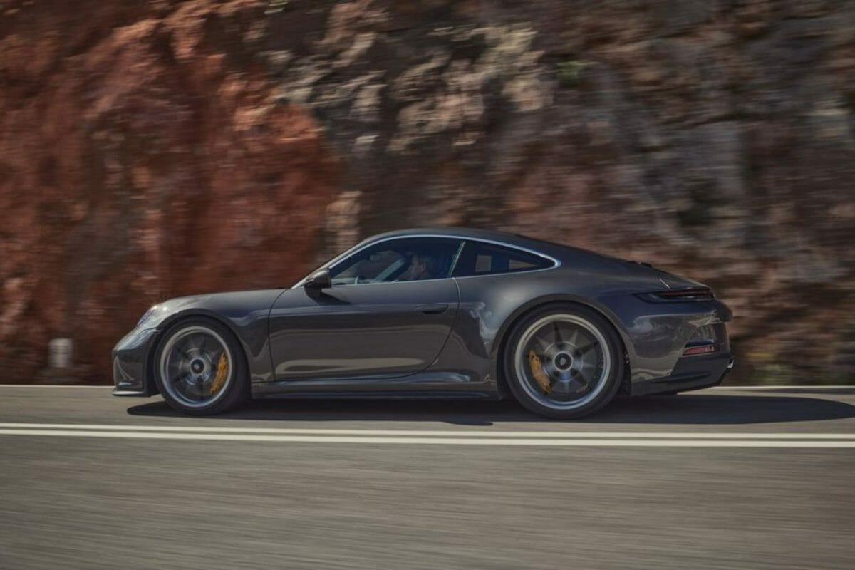 Porsche 911 GT3 Touring (3)