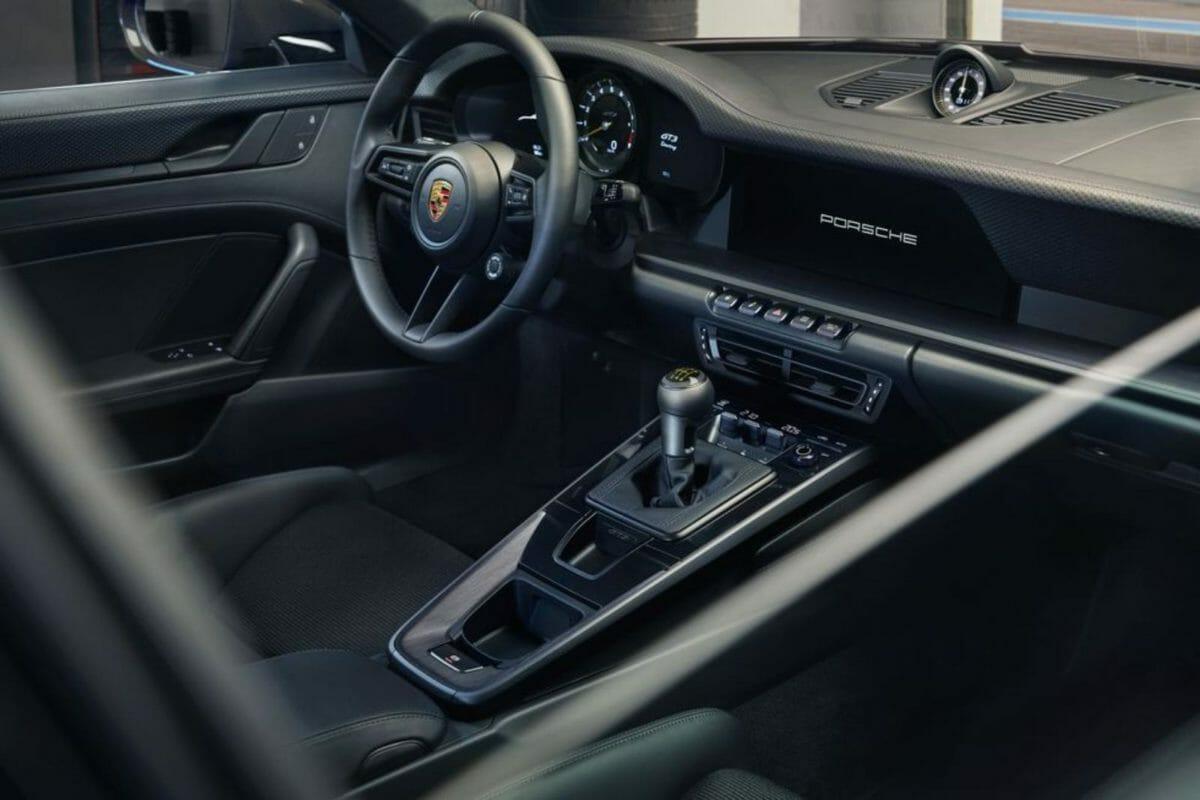 Porsche 911 GT3 Touring (4)