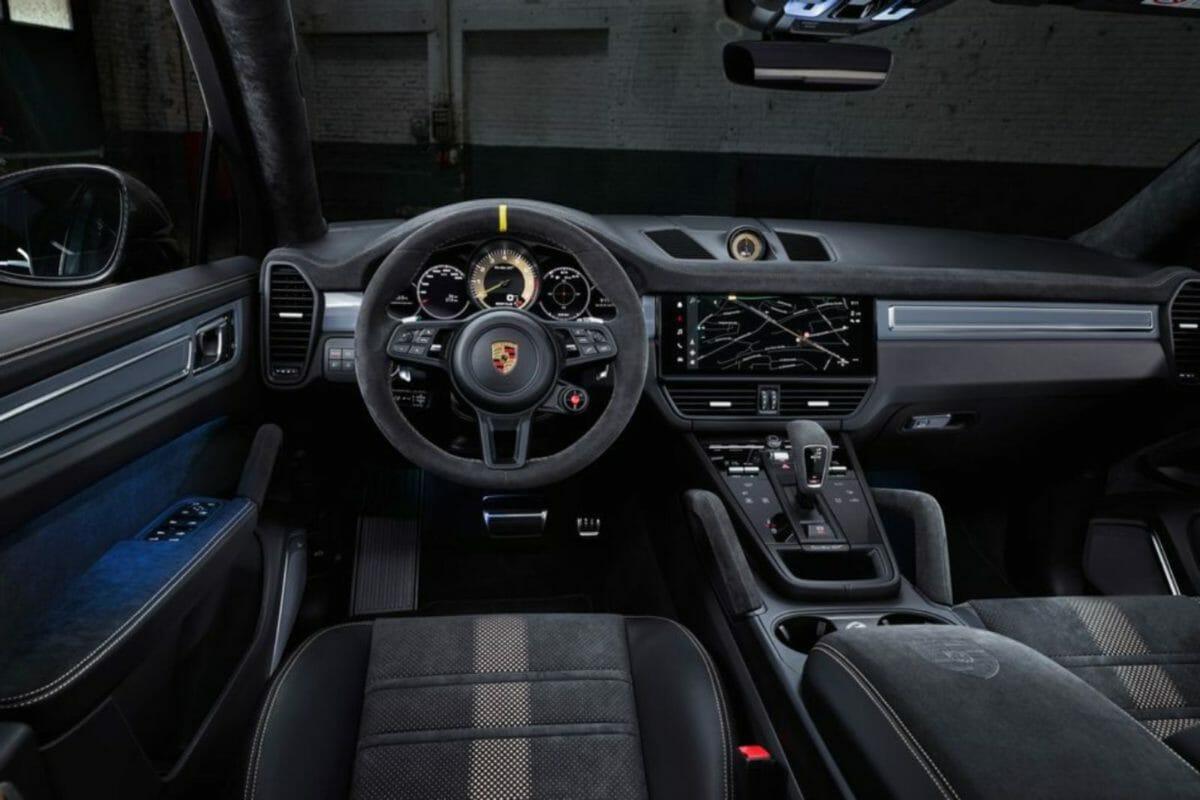 Porsche Cayenne Turbo GT interior (1)