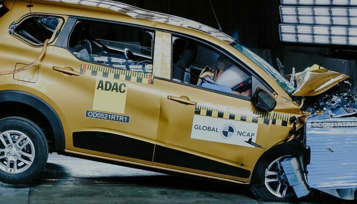 Renault triber crash test (1)