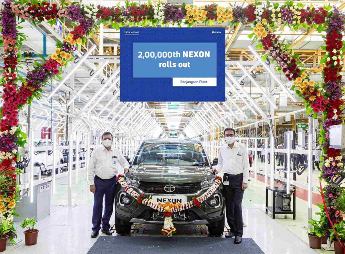 Tata Nexon 2,50,000th unit (1)