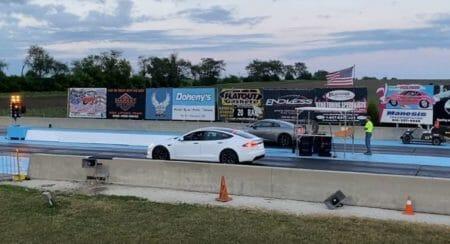 Tesla model s plaid drag race