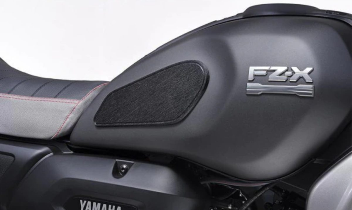 Yamaha FZ X accessories (3)
