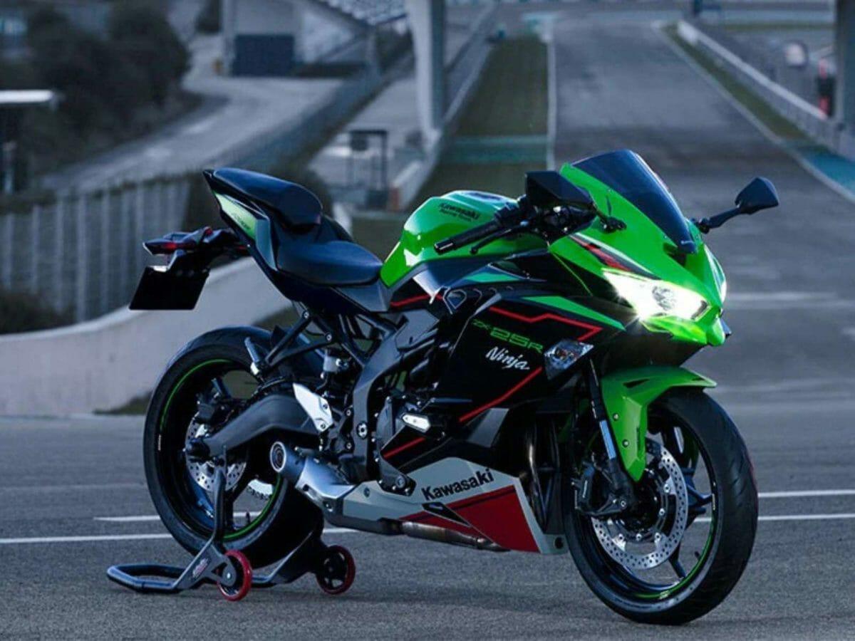 2021 Kawasaki ZX 25R (2)