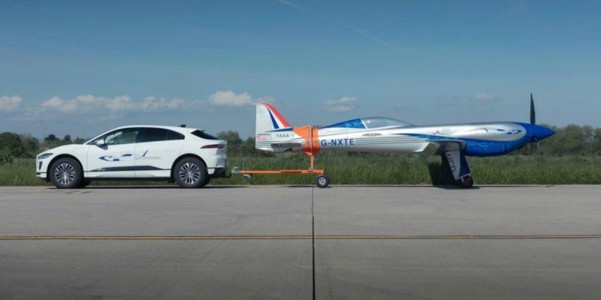 Jaguar Towing Rolls Royce plane (1)