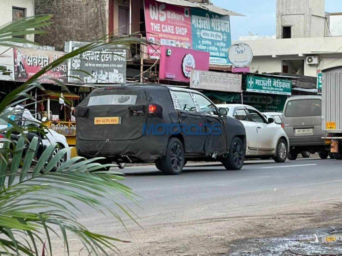 Jeep Meridian spied (1)