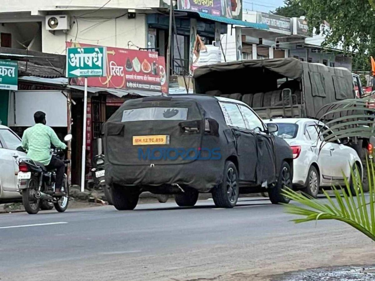 Jeep Meridian spied