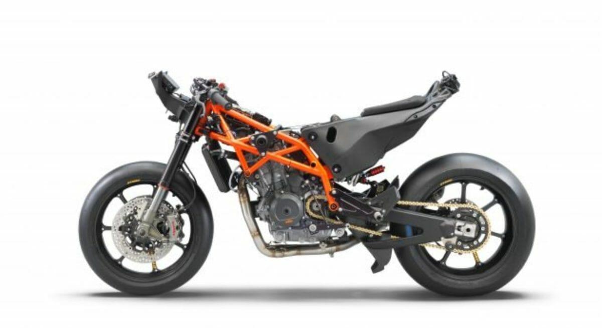 KTM RC 8C (3)