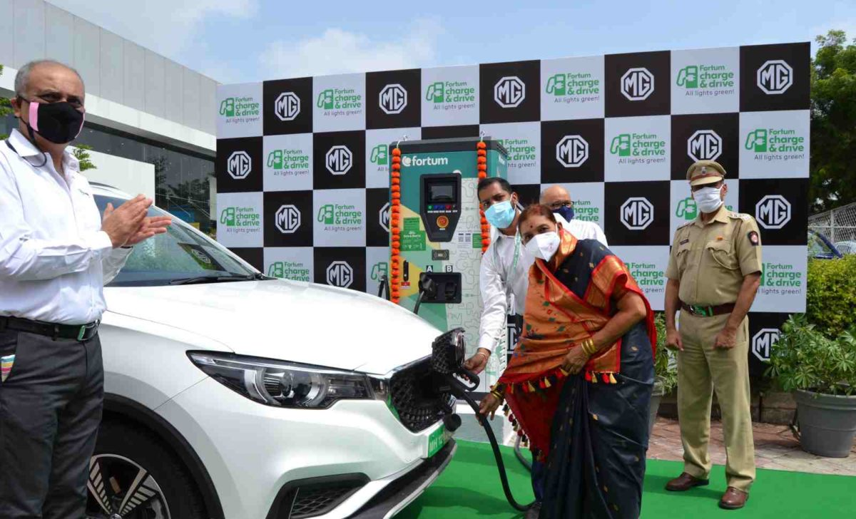 MG Motor India and Fortum set up a 50 kW Superfast EV charging station in Pune (1)