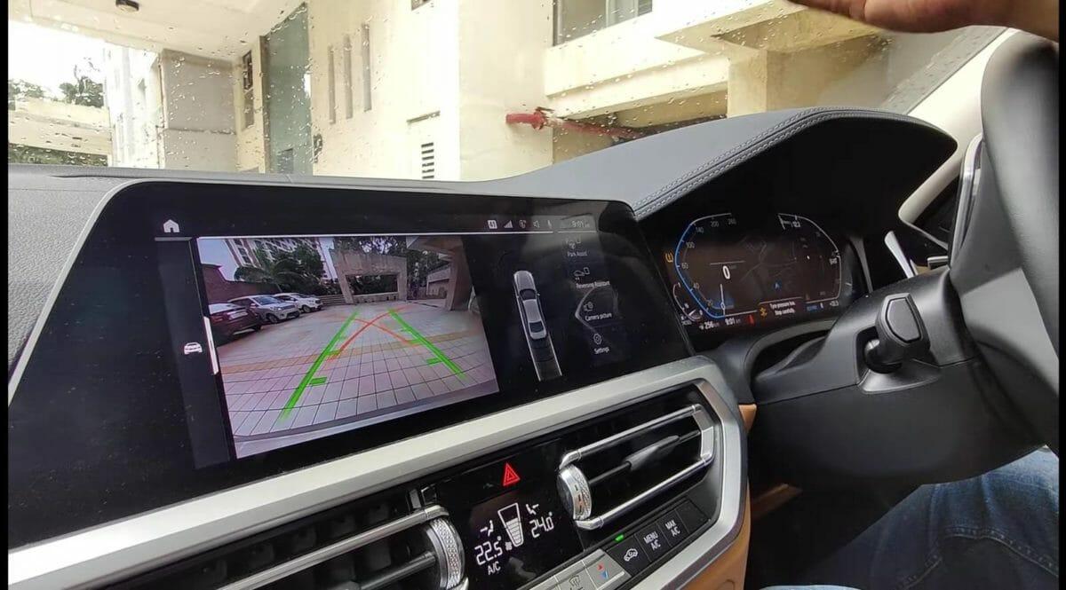 bmw reverse parking assistant screen