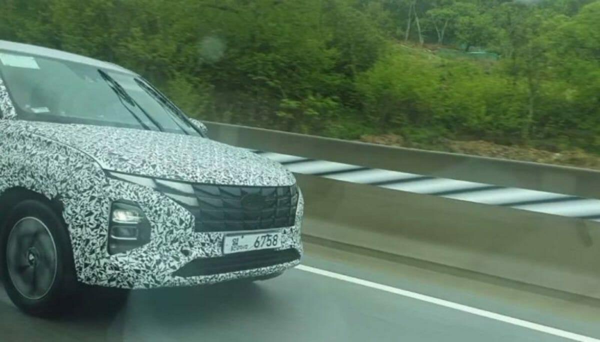 hyundai creta facelift spotted testing
