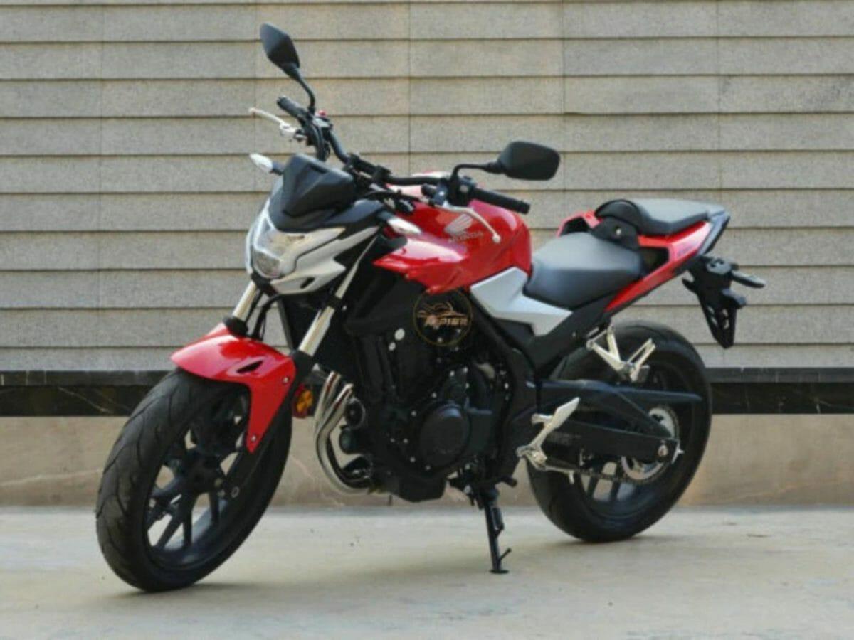 Honda CB400F (1)
