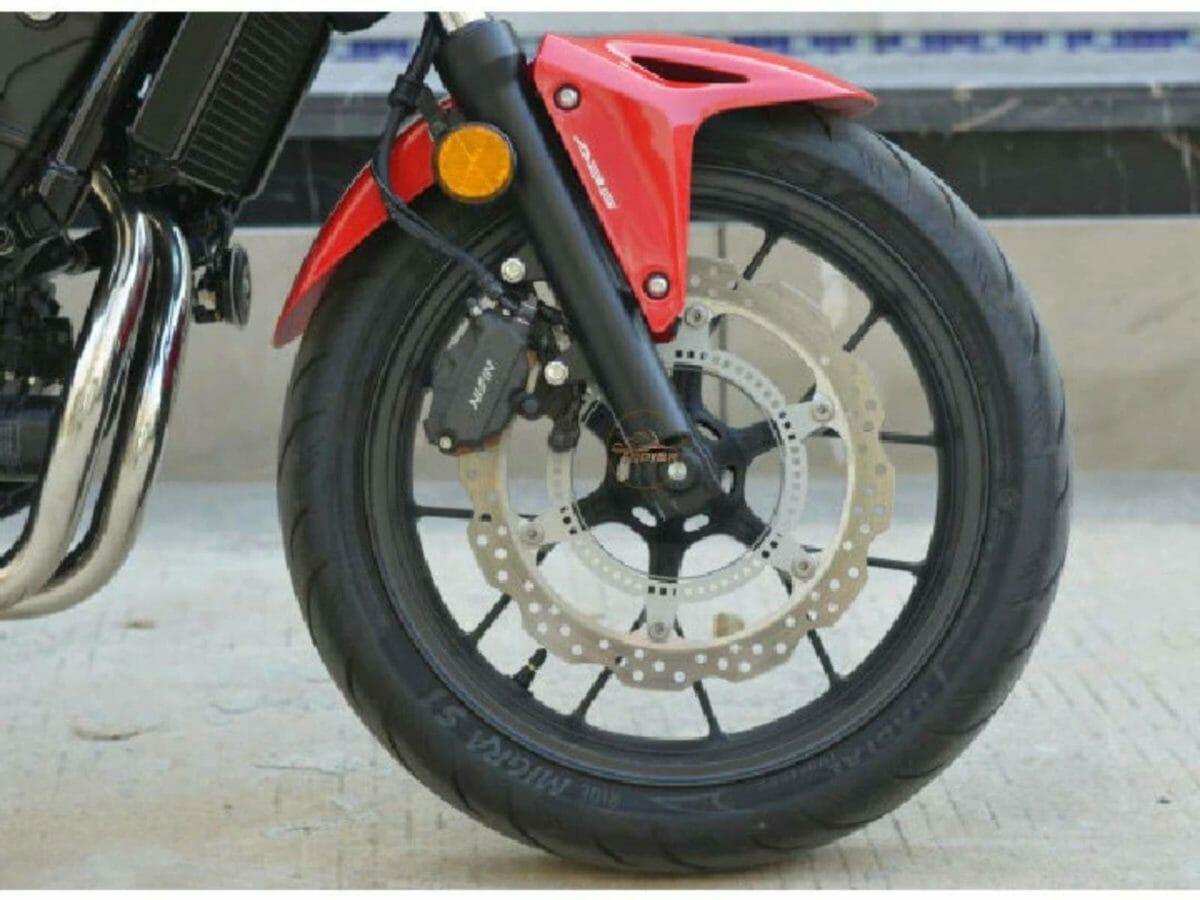 Honda CB400F (3)